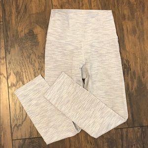 Lululemon White Wunder Under Crop Legging Size 2